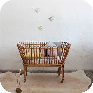 Lit Berceau Bébé : mobilier vintage lit b b rotin vintage atelier du petit parc ~ Teatrodelosmanantiales.com Idées de Décoration