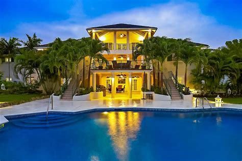 dinning room aliseo luxury retreats