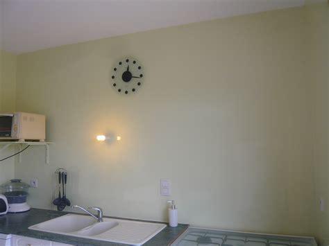 peinture brillante pour cuisine peinture laque brillante pour meuble photos de