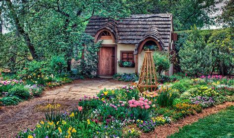 Wild For Wood: The House Of Life :  8 Casas Sacadas Directamente De