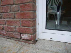 Hauswand Abdichten Außen : feuchte wand zur terrassen hin klinker davor wie nun ~ Michelbontemps.com Haus und Dekorationen