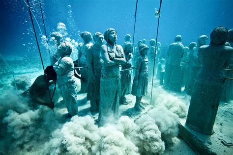 underwater museum  statues cancun mexico
