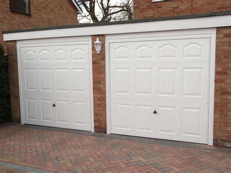 Garage Door Repair Uk by Garage Doors Surrey Servicing Installation Repairs In