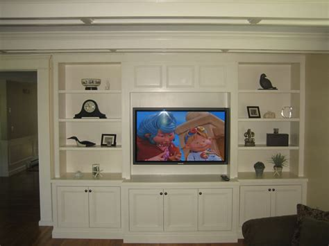 Built In Cabinets For Family Room by Basement Built Ins On Pinterest Traditional Family Rooms