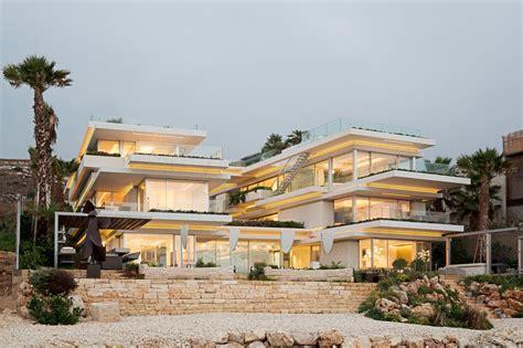 Villa Kali / Blankpage Architects + Karim Nader