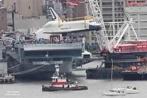 Shuttle Enterprise Lands on the Deck of Intrepid in Manhattan - Universe Today