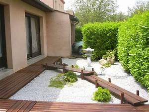les 17 meilleures images a propos de jardines zen sur With déco chambre bébé pas cher avec bac a fleurs exterieur en pierre