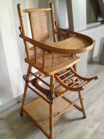 chaise haute b b en bois chaise haute bebe en bois vintage les vieilles choses