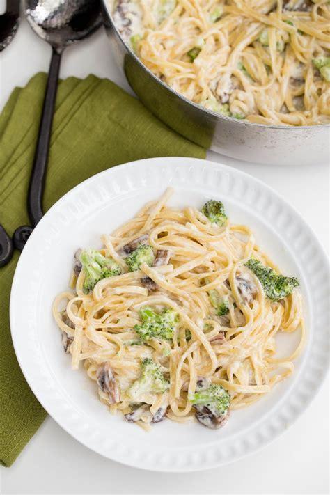 Broccoli Mushroom Alfredo Pasta - Momsdish