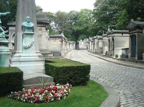 le pere la chaise le pere lachaise cemetery photo