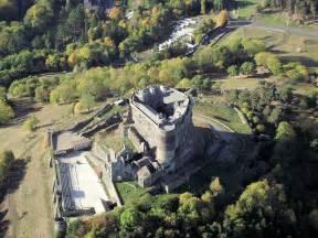 chambres d hotes puy de dome locations de vacances au château de murol et ses environs