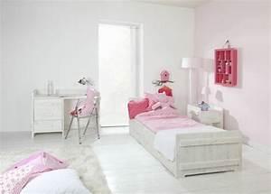 Chambre Enfant Blanc : chambres enfant blanches avec des touches de couleurs design ~ Teatrodelosmanantiales.com Idées de Décoration