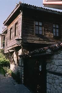 les maisons traditionnelles de nessebar With maison en l avec tour 6 les maisons les plus bizarres du monde