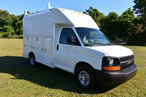 Buy Used 2004 Chevrolet Express G3500 Cutaway Enclosed