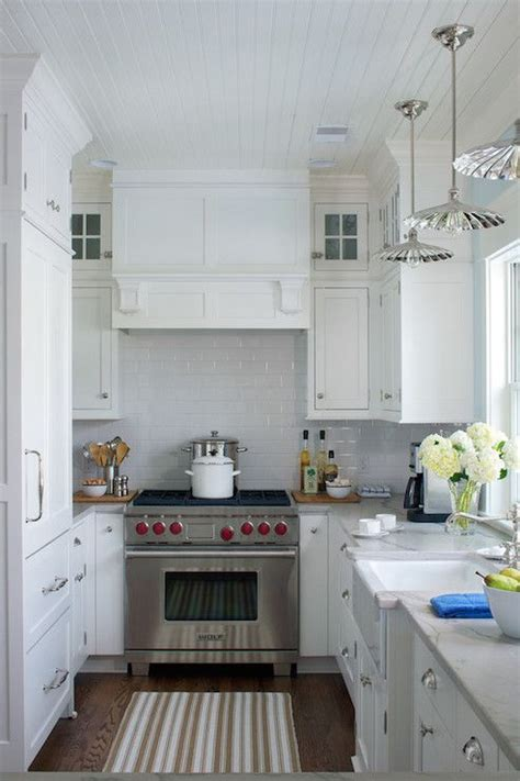 25 best ideas about small u shaped kitchens on