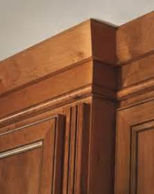 kitchen cabinets with crown molding crown molding pairs well with shaker style cabinetry 8167
