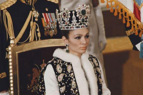 les secrets de la couronne imperiale de farah diba
