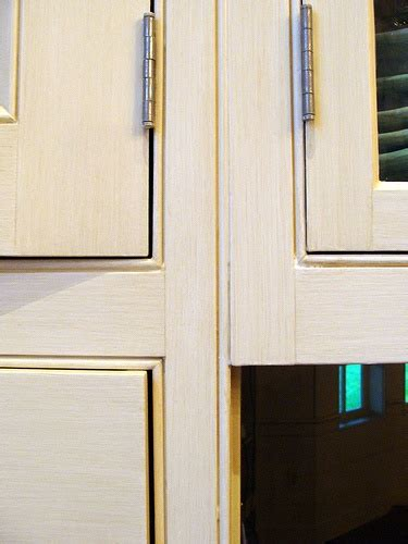 how do i refinish kitchen cabinets how to refinish kitchen cabinets refinish kitchen