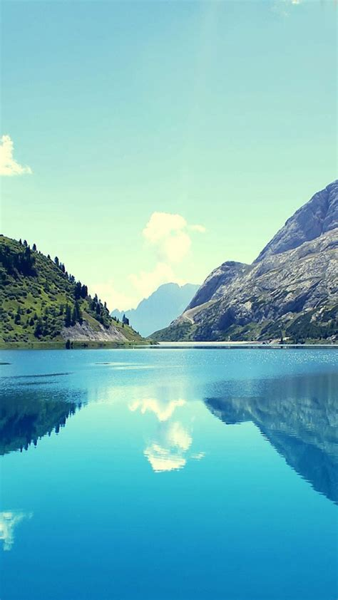 Find an image you like on wallpapertag.com and click on the blue download button. 26 Most Beautiful Nature Wallpaper That Looks Great on Your iPhone | News Share