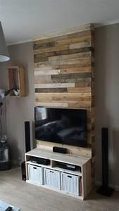 Mur Tv Bois : wall from pallet wood mur en bois de palettes pallet ~ Teatrodelosmanantiales.com Idées de Décoration