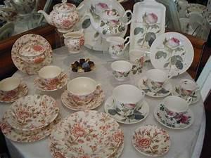 Service Vaisselle Porcelaine : porcelaine roy kirkham porcelaine rose chintz burdet salon de the ~ Teatrodelosmanantiales.com Idées de Décoration