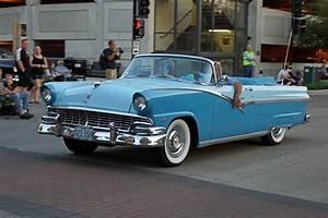 1956 Ford Fairlane Sunliner 2