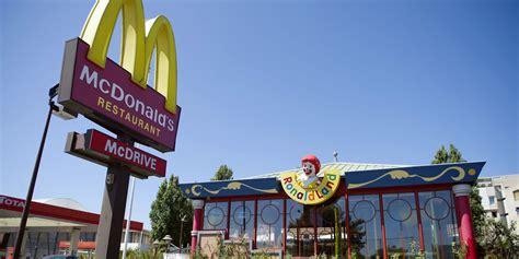 mcdonalds  design hopes  boost sales delishcom