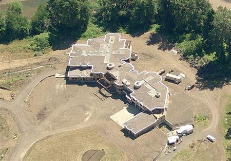 poll  unfinished mega mansion   prefer homes   rich