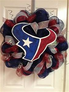 1000 ideas about Football Team Wreaths on Pinterest