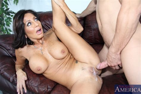 Latin Sexy Milf Tara Holiday Spreads Her Stockings Legs