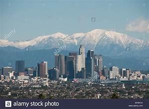 Photo Los Angeles : downtown los angeles skyline and snow capped san gabriel mountains stock photo 33931502 alamy ~ Medecine-chirurgie-esthetiques.com Avis de Voitures