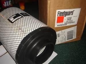 Pair Of Cummins Fleetguard Air Filters Ah19002 Fits B