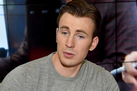 Chris Evans Appears to Accidentally Leak Nude Photo on ...