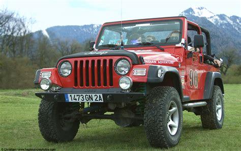 Fond d'écran en 1440x900 d'une belle Jeep vue à la ...