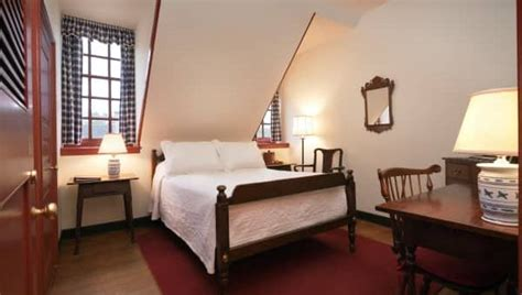 guest rooms colonial houses colonial williamsburg resorts