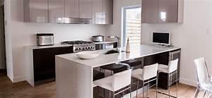 cuisine moderne au fini lustre avec comptoirs de quartz With cuisine moderne
