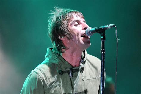 liam gallagher raging  shopkeeper refuses  sell