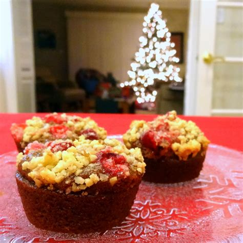 cranberry and chagne name gingerbread cupcakes with cranberry streusel