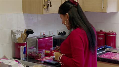 She had at least 1 relationship before dylan siggers. Teen Mom UK Spoiler: Megan Salmon-Ferrari Is Fuming With ...