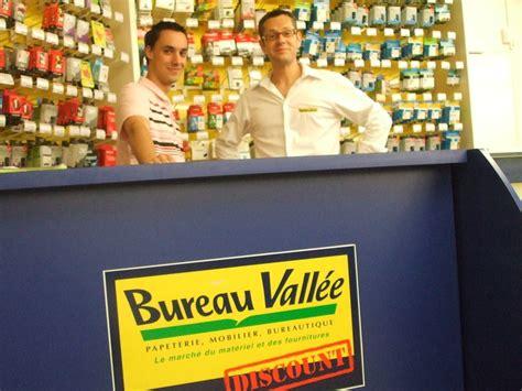 bureau vallee bressuire laurent desmier 2008 et 2009 parcequ il le bureau vallée