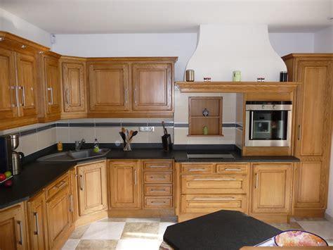 plan de travail cuisine chene cuisine rustique en chêne massif clair cuisines liebart