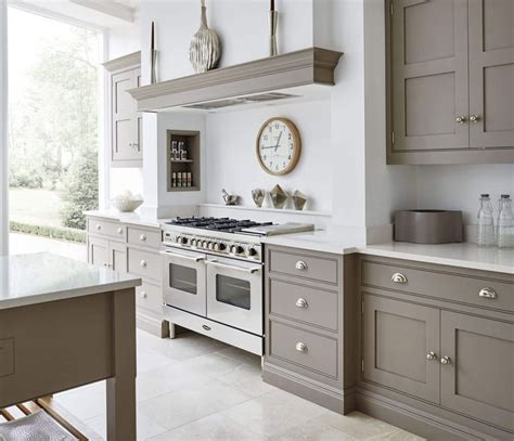 gray kitchens with white cabinets grey and white kitchen favorate shaker 6910