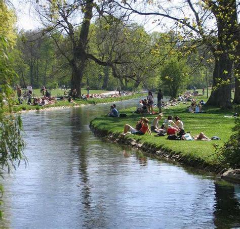Englischer Garten Veranstaltungen München by Englischer Garten Munich And Seehaus Garden With