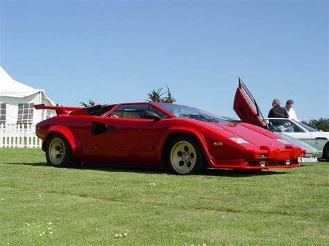 lamborghini countach review top speed
