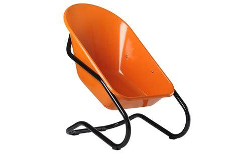siege en forme de siège bac brouette orange achat en ligne ou dans notre