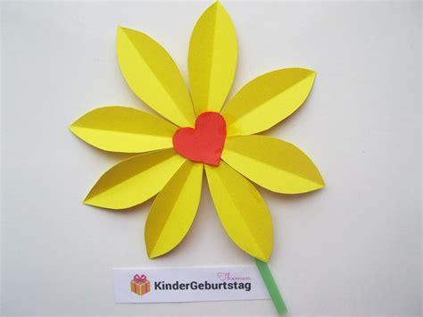 Frühlingsblumen Basteln Aus Papier by Gelbe Blumen Aus Tonpapier Basteln Fr 252 Hling Blumen