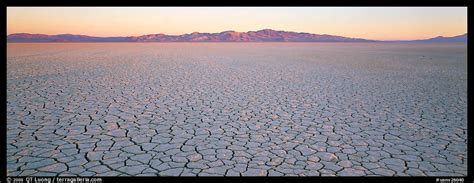 panoramic picturephoto desert landscape  cracked mud