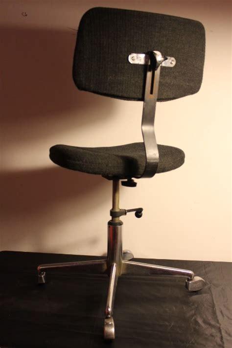 bureau gris anthracite chaise de bureau vintage vintage by fabichka