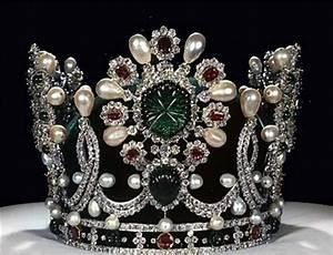 Figure Of Fun: Beautiful photos of Royal Crown