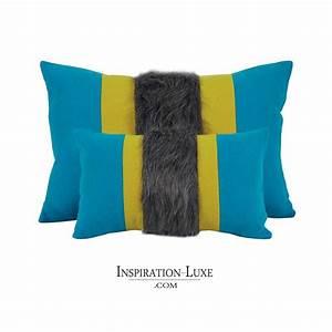 Coussin Bleu Et Jaune : coussin prestige rectangulaire en laine bleu jaune 2 tailles au choix ~ Teatrodelosmanantiales.com Idées de Décoration